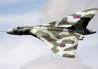 Avro Vulcan XH558 flying a display
